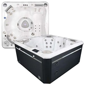 Self Cleaning 570 Hot Tub