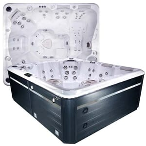 Self Cleaning 970 Hot Tub